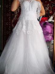 Продам свое свадебное платье+перчатки,  1500 вместо 5000грн,  подойдет для размеров 42-50