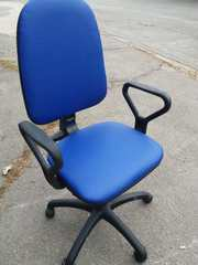 Продам бу кресло офисное